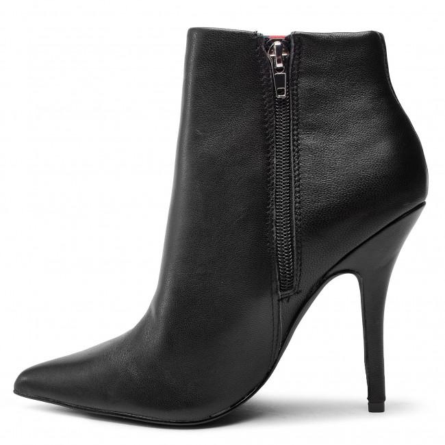 Stiefeletten STEVE MADDEN - Knock Bootie SM11000340-03001-017 Black Leather - Boots - Stiefel und andere - Damenschuhe jxcNA65O