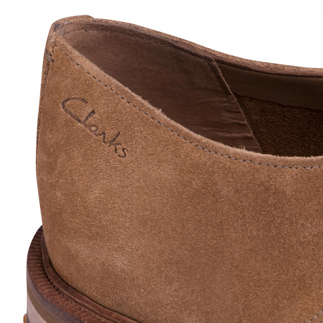 Chaussures basses CLARKS - Foxwell Hall 261480067 Dark Sand Suede
