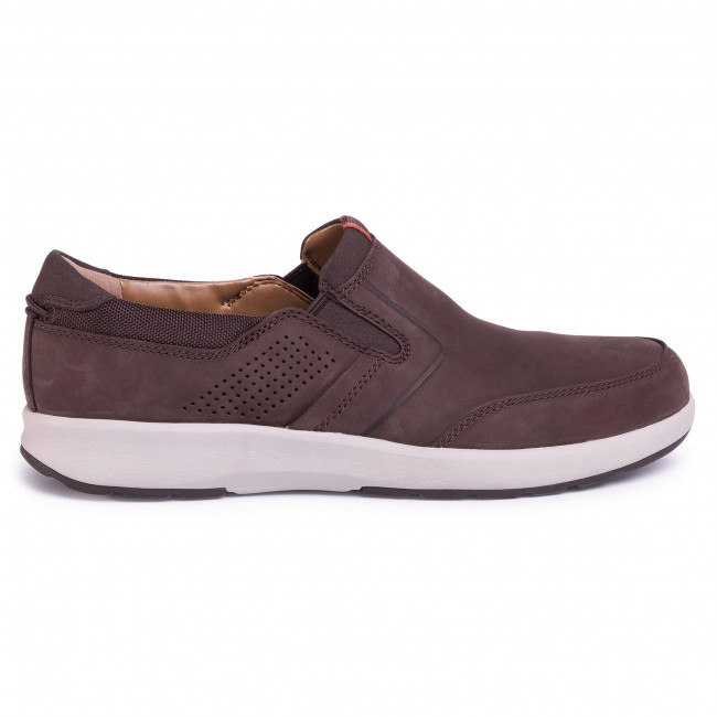 Chaussures basses CLARKS - Un Trail Step 261403837 Brown Nubuck