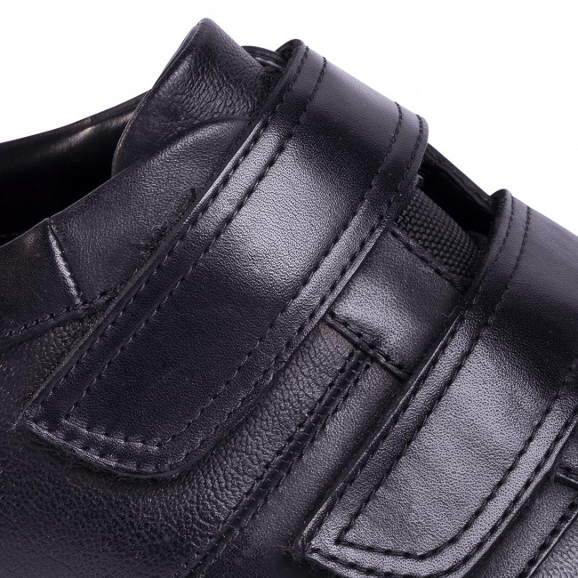 Chaussures basses CLARKS - Un Tynamo Turn 261492317 Black Leather